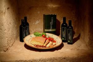 olio evo pane olio extra vergine di oliva visit parco gravine oro verde parco di stalla